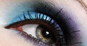 Maqquillaje de ojos en color azul (2)