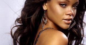Maquillaje-natural-para-morenas-al-estilo-de-Rihana
